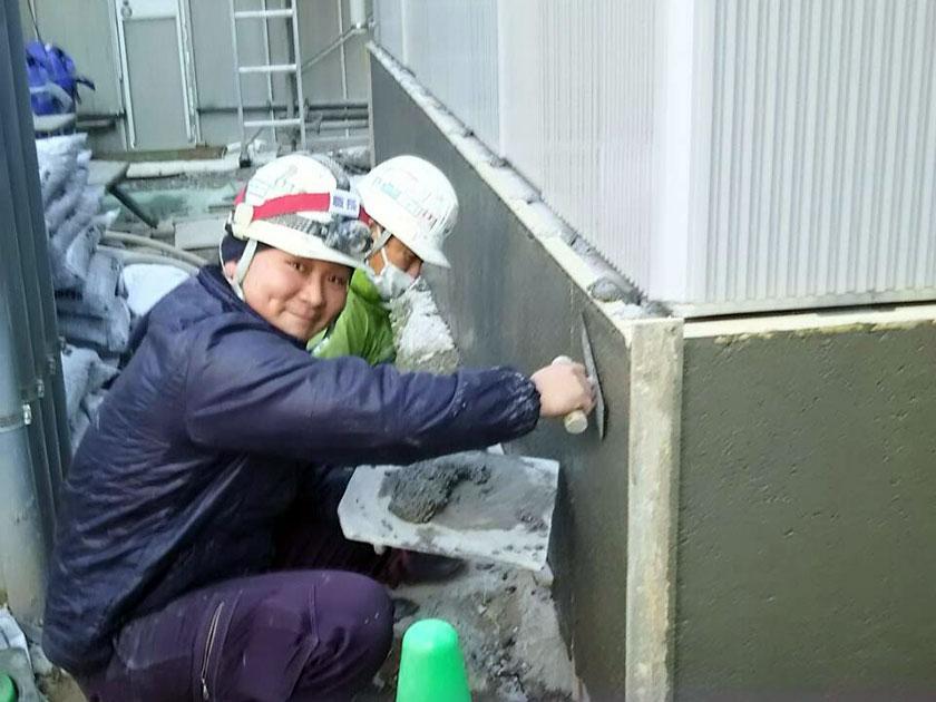 壁モルタル作業